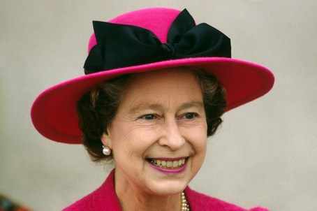Queen Elizabeth, April 1989 in Frederick Fox | The Royal Hats Blog
