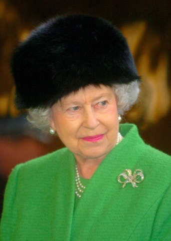 Queen Elizabeth, February 25, 2005 | The Royal Hats Blog
