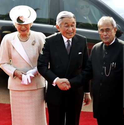 Empress Michiko, Dec. 2, 2013 | The Royal Hats Blog