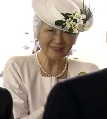 Empress Michiko, December 4, 2013 | The Royal Hats Blog
