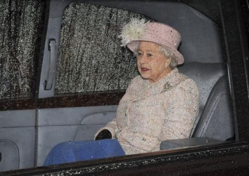 Queen Elizabeth, January 26, 2014 in Rachel Trevor Morgan   The Royal Hats Blog