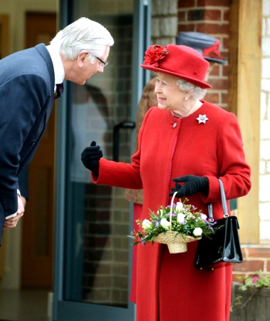 Queen Elizabeth, January 29, 2014 | The Royal Hats Blog