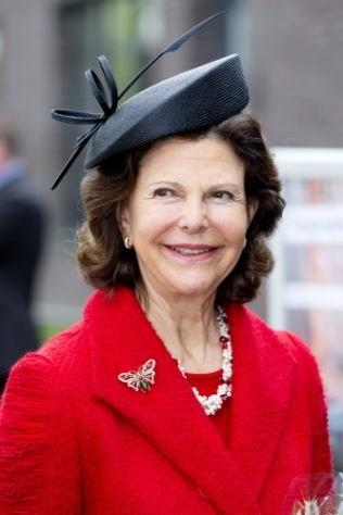 Queen Silvia, April 4, 2014 in Whitely Fischer Ltd. | The Royal Hats Blog