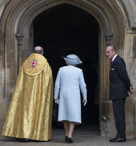 Queen Elizabeth, April 20, 2014 in Rachel Trevor Morgan | The Royal Hats Blog