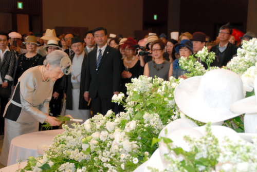 Empress Michiko, May 19, 2014 in Akio Hirata | Royal Hats
