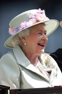 Queen Elizabeth, June 18, 2014 in Rachel Trevor Morgan | Royal Hats