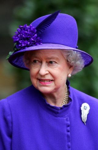 Queen Elizabeth, November 6, 2004   Royal Hats