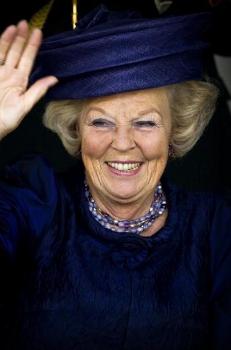 Queen Beatrix, August 20, 2009   Royal Hats