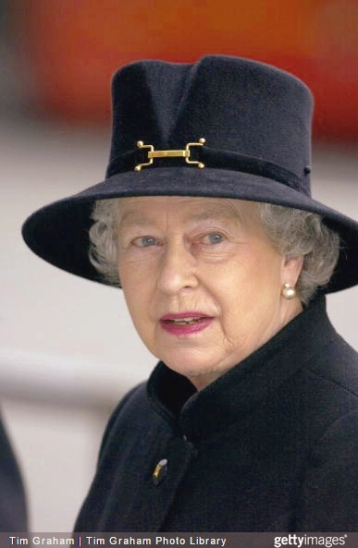 Queen Elizabeth, February 12, 2002 in Philip Somerville | Royal Hats