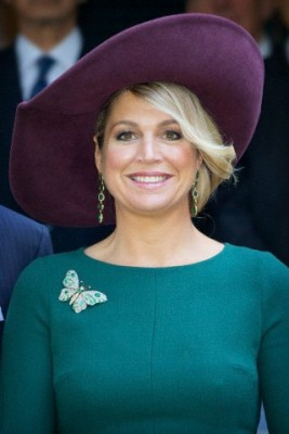 October 30, 2014 in Fabienne Delvigne | Royal Hats