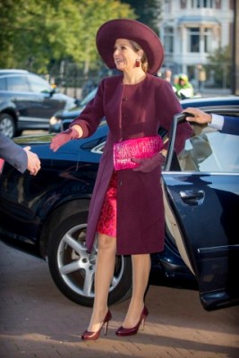 October 13, 2015 in Fabienne Delvigne | Royal Hats