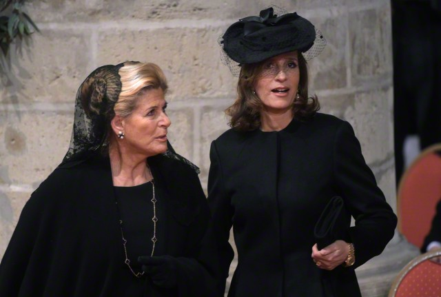 Princess Léa and Princes Marie-Esméralda, December 12, 2014 | Royal Hats