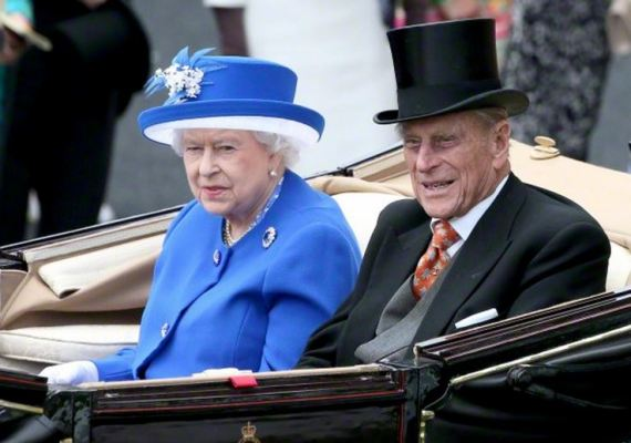 Queen Elizabeth, June 17, 2015 in Angela Kelly and Karl Ludwig | Royal Hats