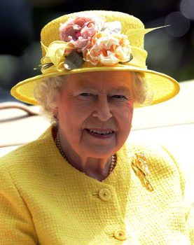 Queen Elizabeth, June 19, 2015 inRachel Trevor Morgan | Royal Hats