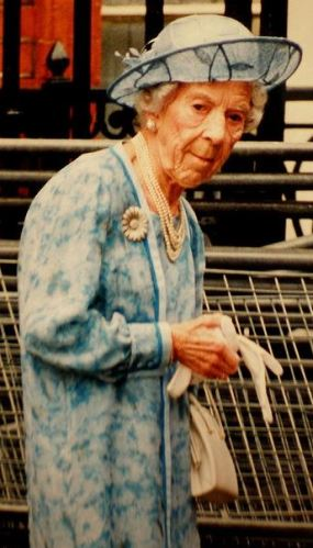 Queen Ingrid, July 1, 1995 | Royal Hats