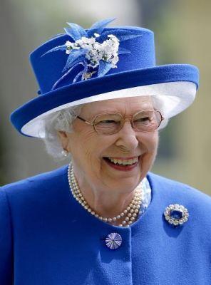 Queen Elizabeth, June 17, 2015 in Angela Kelly | Royal Hats