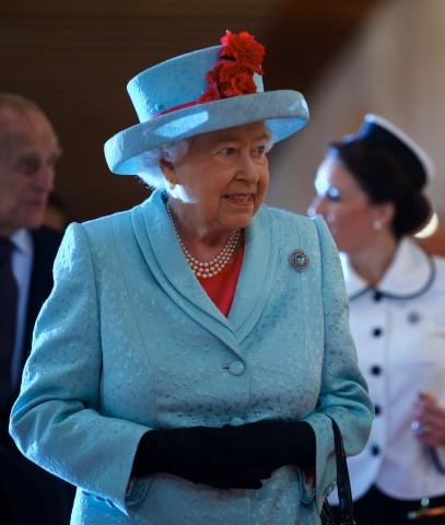 Queen Elizabeth, November 27, 2015 in Angela Kelly | Royal Hats
