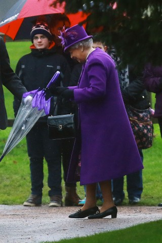 Queen Elizabeth, January 3, 2016 | Royal Hats