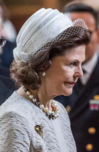 Queen Silvia, April 22, 2016 in Mode Rosa | Royal Hats