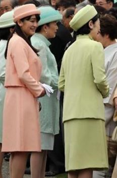 Princess Mako and Princess Kiko, April 27, 2016 | Royal Hats