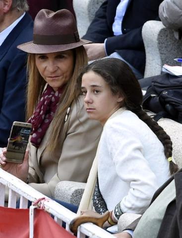 Infanta Elena, May 15, 2016 | Royal Hats