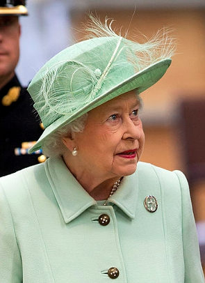 Queen Elizabeth, May 31, 2013 in Rachel Trevor Morgan | Royal Hats