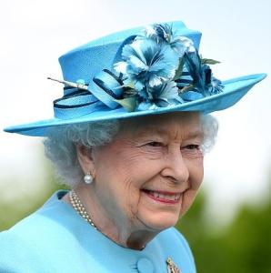 Queen Elizabeth, May 17, 2016 in Rachel Trevor Morgan | Royal Hats