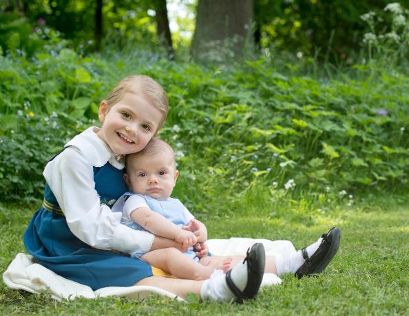 Princess Estelle and Prince Oscar, June 6, 2016 | Royal Hats