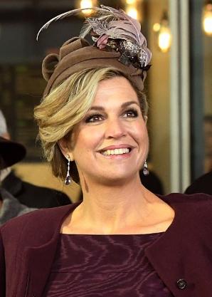 Queen Máxima, Nov 30, 2016 in Fabienne Delvigne | Royal Hats