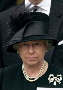Queen Elizabeth, April 5, 2002 | Royal Hats