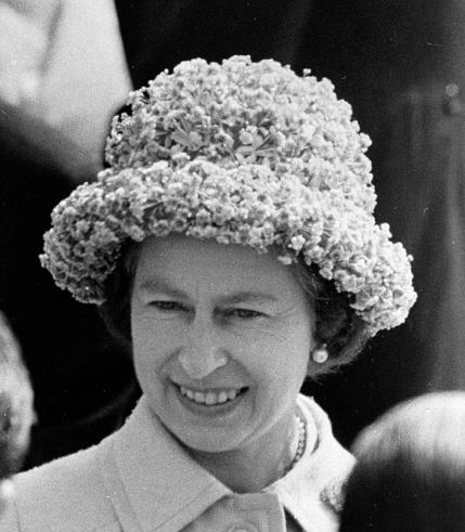 Queen Elizabeth, May 7, 1975 | Royal Hats