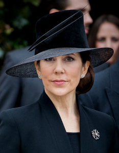 Mar 21, 2017 in Susanne Juul | Royal Hats