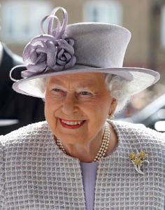 Queen Elizabeth, April 11, 2017 in Rachel Trevor Morgan | Royal Hats