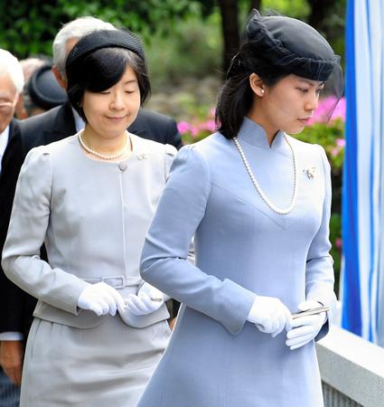 Mrs. Sayako Kuroda and Mrs.Noriko Senge, June 6, 2017 | Royal Hats