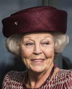 Oct 12, 2017 | Royal Hats