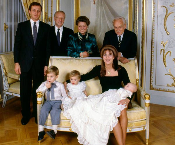 1987-12-19 Pierre Casiraghi christening 3 480