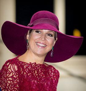 Oct 4, 2017 in Fabienne Delvigne   Royal Hats