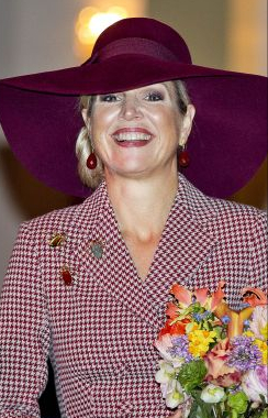 Jan 12, 2018 in Fabienne Delvigne | Royal Hats