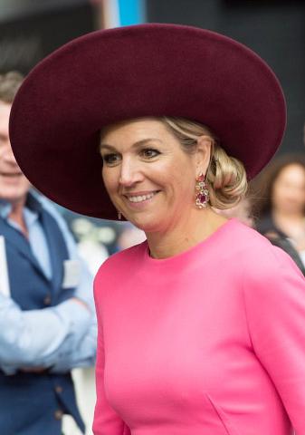 Mar 27, 2018 in Fabienne Delvigne | Royal Hats